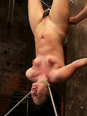 Rain DeGrey Makes Ashli Orion Cum in an Inverted Suspension