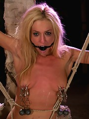 All natural blonde beauty doube penetrated for the first time in her life!